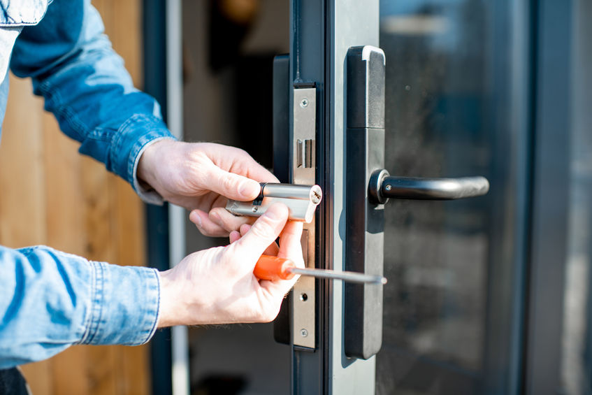 //citywestlocksmiths.com.au/wp-content/uploads/2020/05/commercial-locksmith.jpg